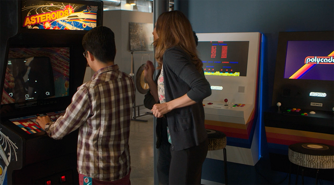 White Polycade arcade product placement in HBO's Silicon Valley